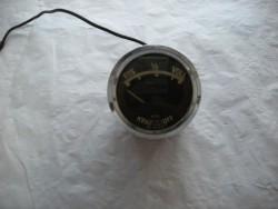 Öldruck-Tankuhren u. Ampermeter